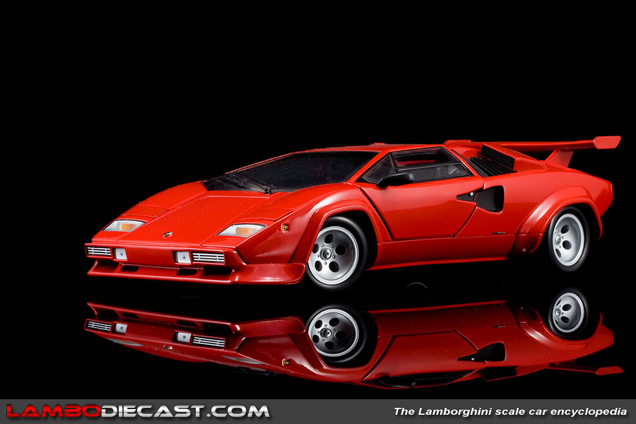 1 18 Lamborghini Countach Lp500 S V2 0 By Kyosho