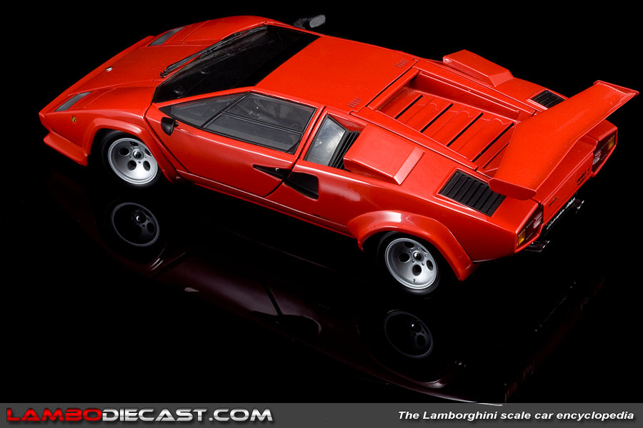 the 1 18 lamborghini countach lp500s from kyosho a review by. Black Bedroom Furniture Sets. Home Design Ideas