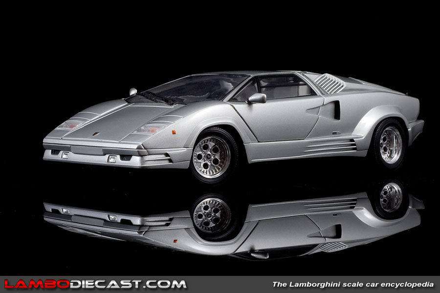 the 1 18 lamborghini countach 25th anniversary from ricko a review by lambod. Black Bedroom Furniture Sets. Home Design Ideas