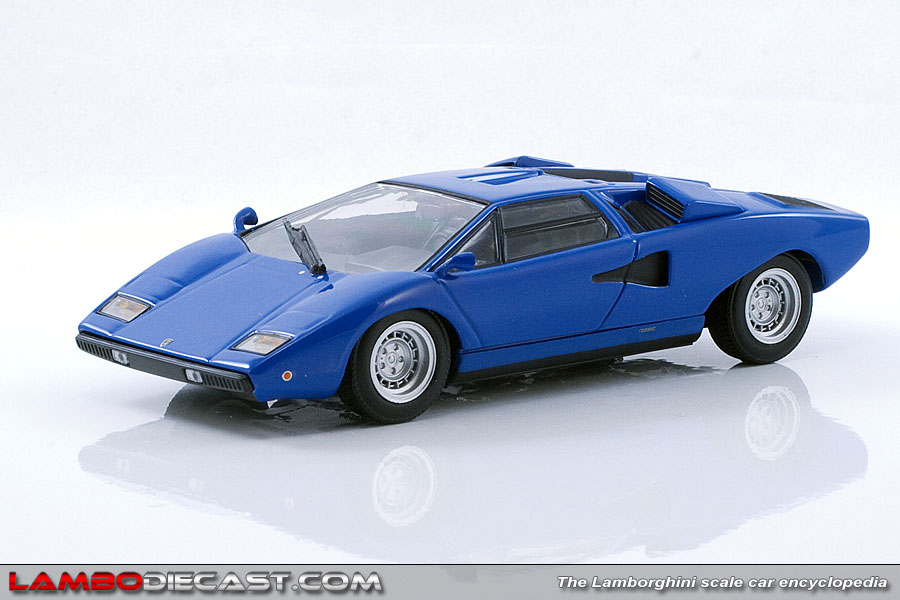 the 1 43 lamborghini countach lp400 from minichamps a review by. Black Bedroom Furniture Sets. Home Design Ideas