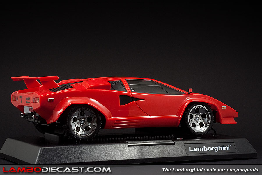 the 1 12 lamborghini countach quattrovalvole from unknown a review by. Black Bedroom Furniture Sets. Home Design Ideas