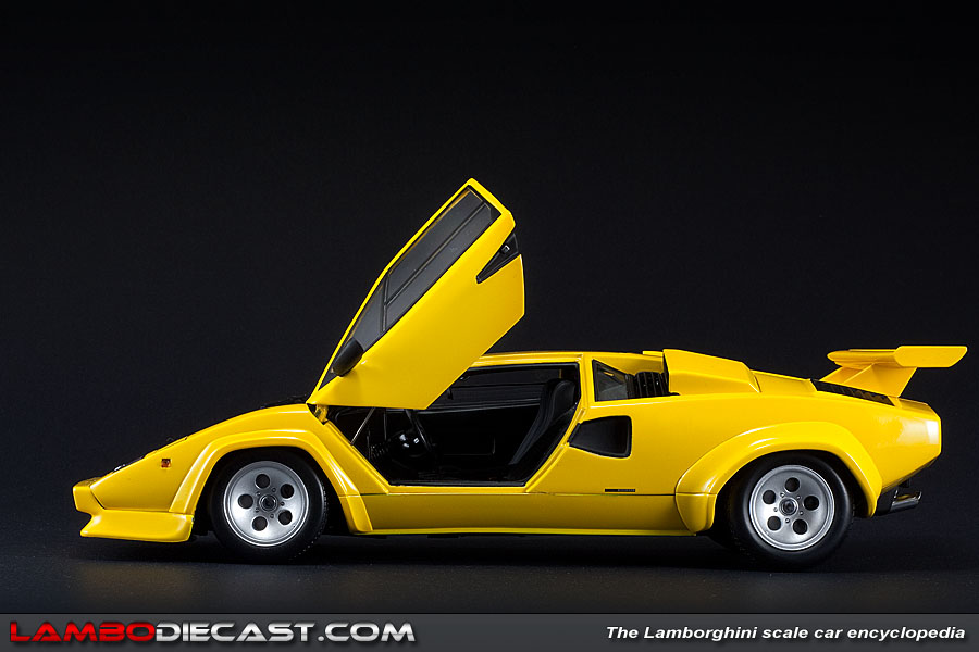 lamborghini countach lp500 s in yellow by kyosho lamborghini diecast cars. Black Bedroom Furniture Sets. Home Design Ideas