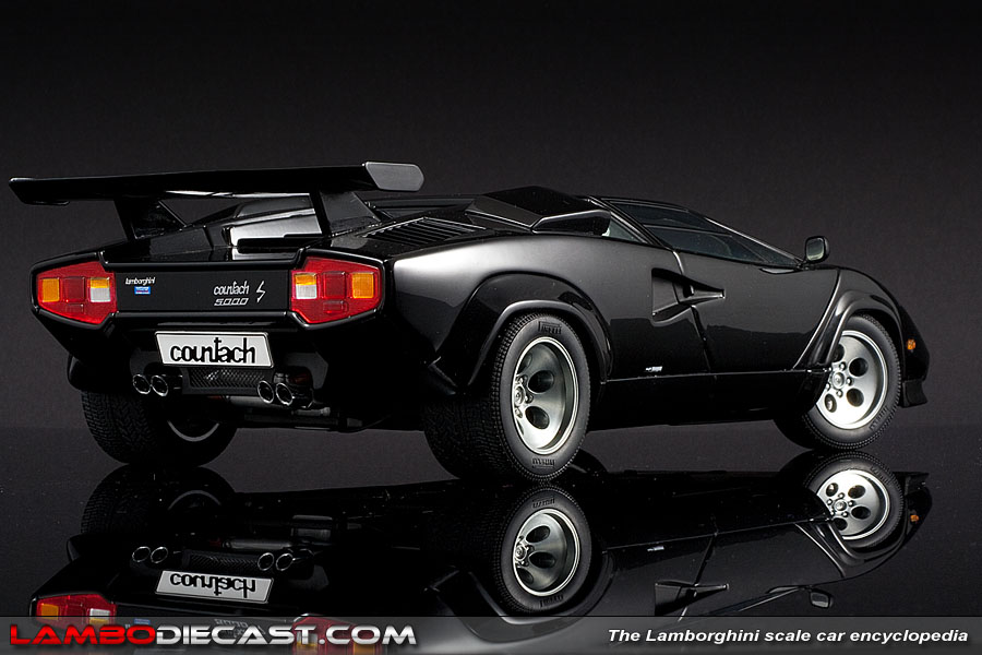 the 1 18 lamborghini countach lp500s from autoart a review by. Black Bedroom Furniture Sets. Home Design Ideas
