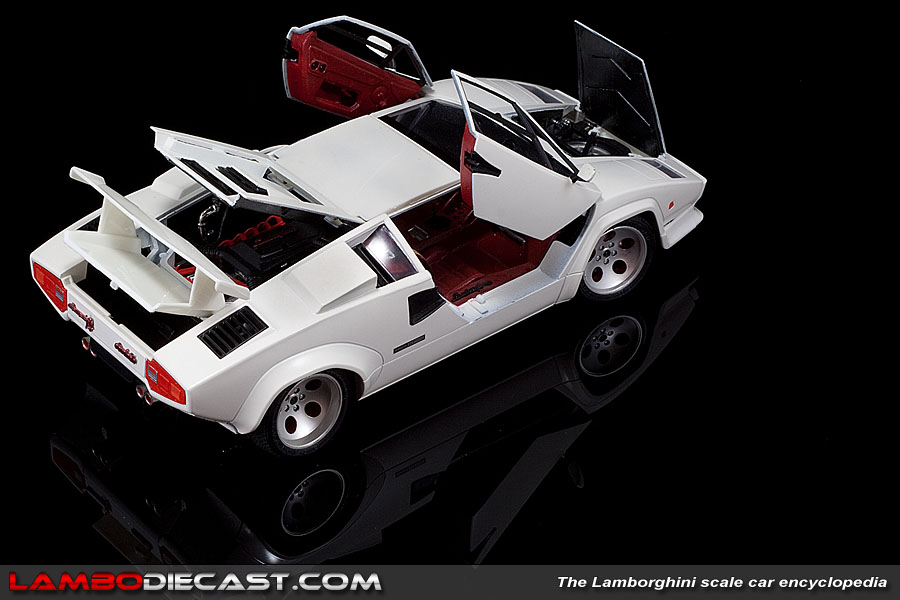 The 1 18 Lamborghini Countach Quattrovalvole From Bburago A Review