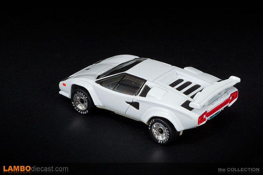 the 1 64 lamborghini countach lp500s from matchbox a review by. Black Bedroom Furniture Sets. Home Design Ideas
