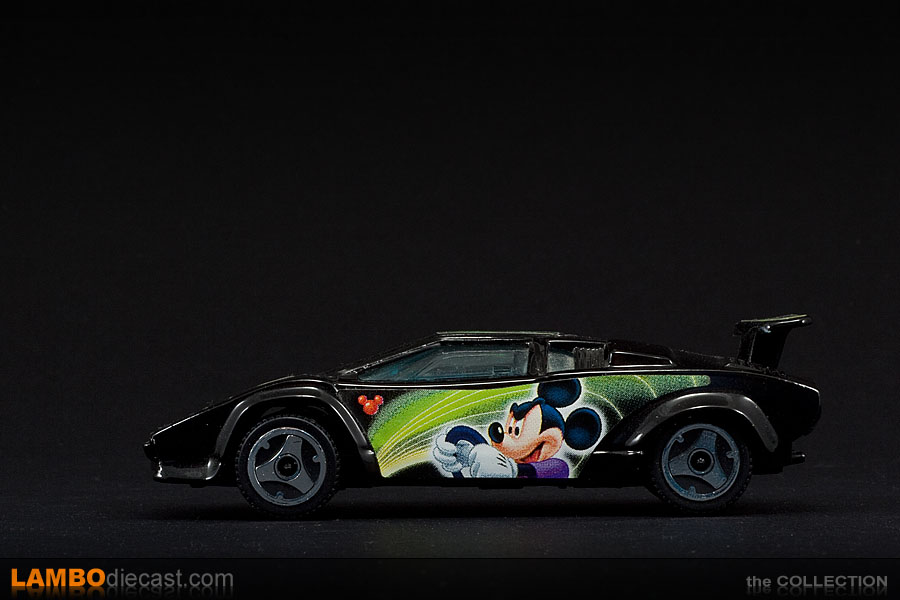 the 1 43 lamborghini countach lp500s from bburago a review by. Black Bedroom Furniture Sets. Home Design Ideas