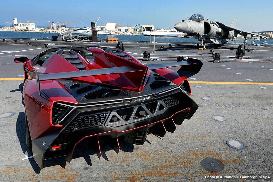 Note The Small Red Reflectors At The Rear Of The Lamborghini Veneno Roadster