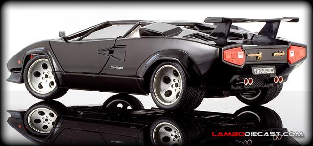 The 1 18 Lamborghini Countach Quattrovalvole From Bburago