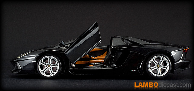 The 1/18 Lamborghini Aventador Roadster from Bburago, a review by ...