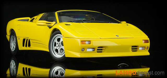The 1 18 Lamborghini Diablo Roadster From Autoart A Review By
